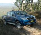 2012-toyota-hilux-review-36