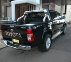 2012-toyota-hilux-review-39