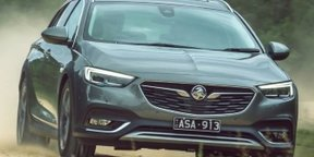 2018 Holden Calais-V Tourer review: Adventra reborn..?