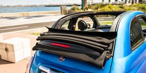 Fiat 500 Sport Convertible : Getting the top down