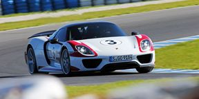 Porsche 918 Spyder Review : Track Test