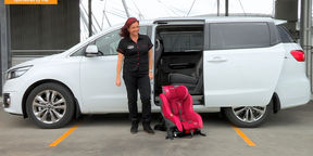2015 Kia Carnival Mums vs Dads Challenge : Child Seats