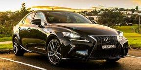 2015 Lexus IS300h Review