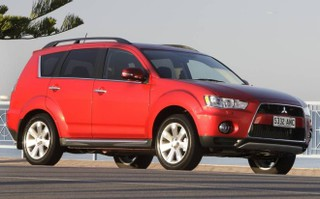 2012 mitsubishi outlander ls (fwd) review | caradvice
