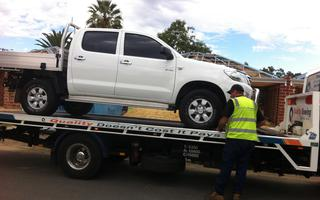 2013 Toyota HiLux SR Review