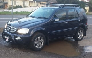 2005 Mercedes Benz ML 350 Special Edition (4x4) Review