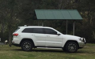 2014 Jeep Grand Cherokee Laredo (4x4) Review