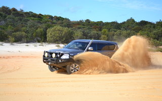 2014 Nissan Patrol ST-L (4x4) Review
