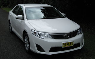 2012 Toyota Camry Altise review
