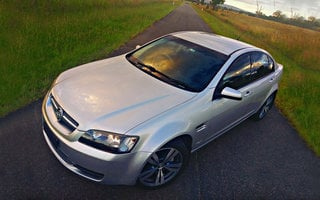 2010 Holden Commodore Omega review