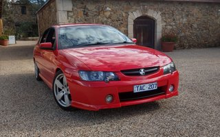 2004 Holden Commodore SS review