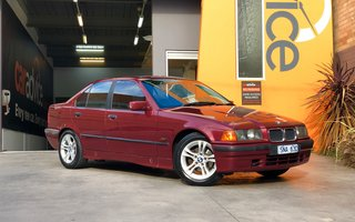 1995 BMW 318i review