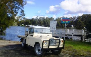 1974 Land Rover (4x4) Review