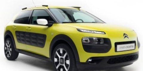 2018 Citroen C4 Cactus Onetone v Renault Captur Intens comparison