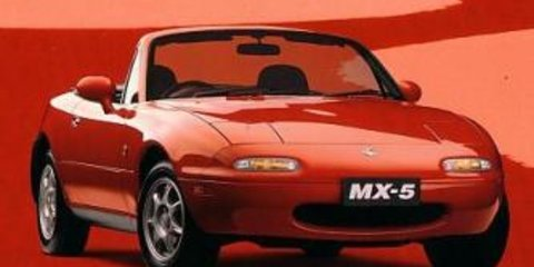 Mazda MX-5 Roadster Coupe Video