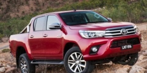 2016 Toyota HiLux SR5 (4x4) Review