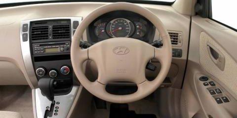 2006 Hyundai Tucson City Review