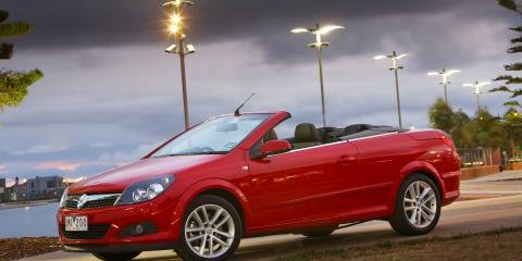 2007 Holden Astra Twin Top review
