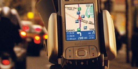 Tracking traffic with mobile phones