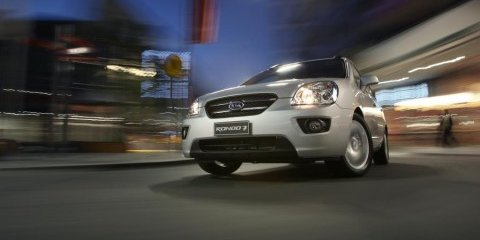 2008 Kia Rondo First Steer