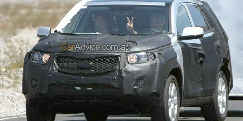 Next-Gen Kia Sorento spy photos