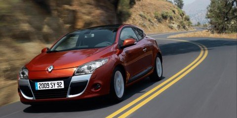 Renault Coupe twins debut in London