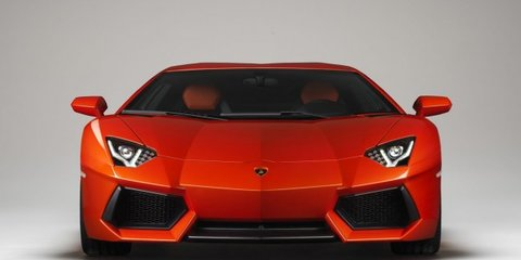 Video: How to put a Lamborghini Aventador in a small room