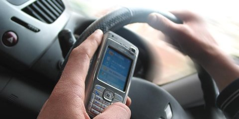 Hands-free phones no safer than hand-held: US study