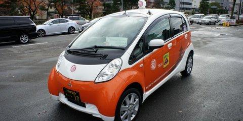 Mitsubishi i-MiEV taxi drive in Kyoto