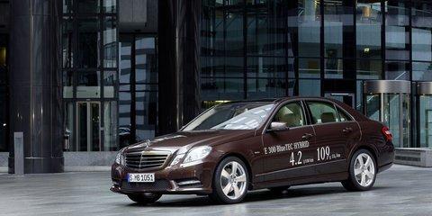 Mercedes-Benz E 300, E 400 hybrids headed to Detroit show