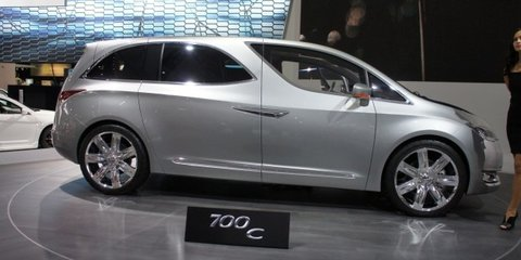 Chrysler 700C concept unveiled at Detroit