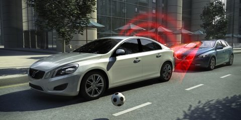 Volvo V40 to feature world-first pedestrian airbag