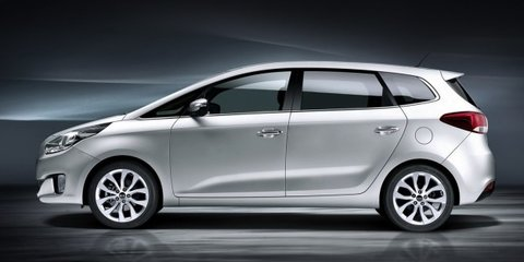 2013 Kia Rondo: new compact people-mover revealed in Paris