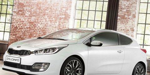 Kia pro_cee'd: three-door hatch unveiled in Paris