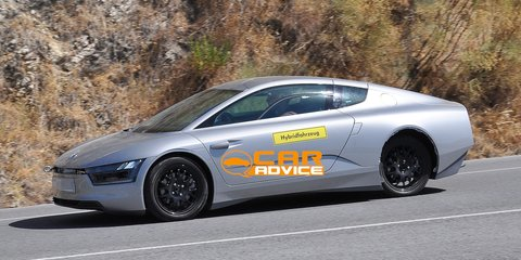 Volkswagen XL1 prototype spied hot-weather testing
