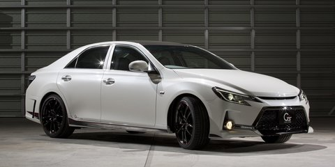 Toyota shows off carbon roof at Tokyo Auto Salon