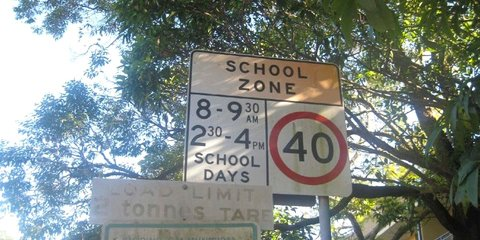 Every school to get flashing lights by December 2015: NSW Premier