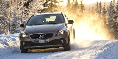 Volvo V40 Cross Country: tougher hatch here in August