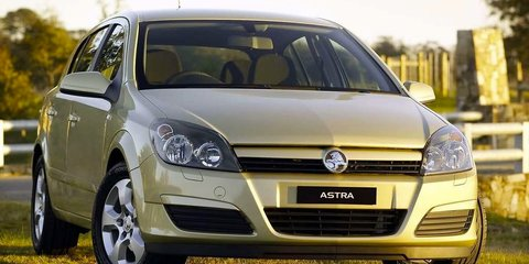 2004 HOLDEN ASTRA CDX Review