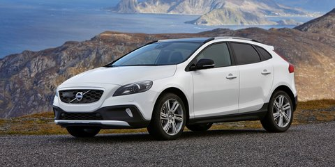 Volvo V40, V40 Cross Country: 3.3L/100km diesel, 183kW petrol join range