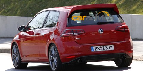 Volkswagen Golf : mystery high-performance hatch spotted at the Nurburgring