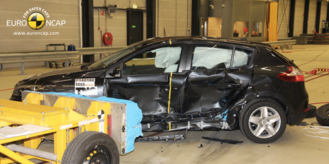 2014 Renault Megane : Facelifted model manages just three stars in latest Euro NCAP crash testing