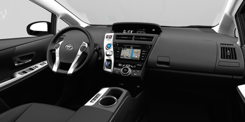 2015 Toyota Prius V facelift revealed
