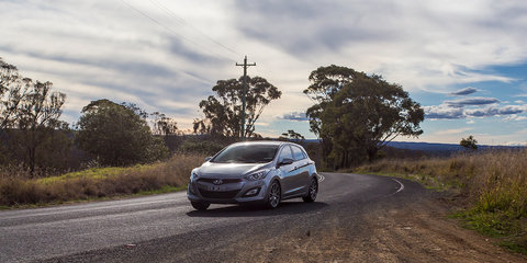 Sporty small hatch comparison : Mazda 3 v Ford Focus v Holden Cruze v Hyundai i30 v Nissan Pulsar
