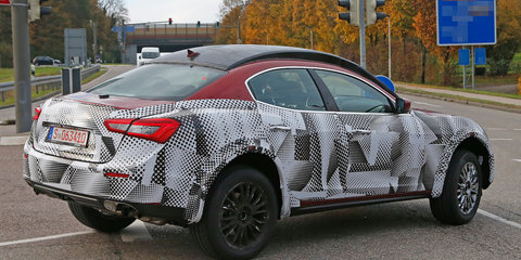 Maserati Levante : Cayenne-chaser spotted testing