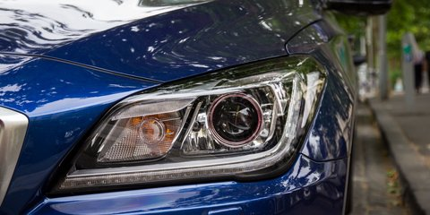 BMW 5 Series v Hyundai Genesis : Comparison review