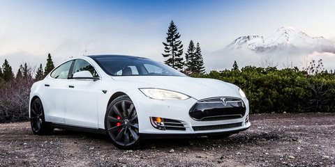 "Tesla CEO Elon Musk promises to ""end range anxiety"" with Model S software update"