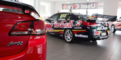 Holden Commodore Craig Lowndes edition : Racing legend takes delivery of personally created sports car