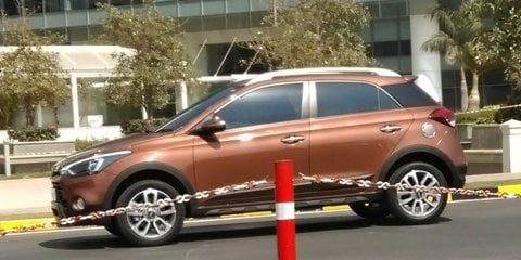 Hyundai i20 Active small crossover spied in India