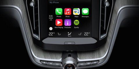 Apple CarPlay, Android Auto less distracting than manufacturer systems - study